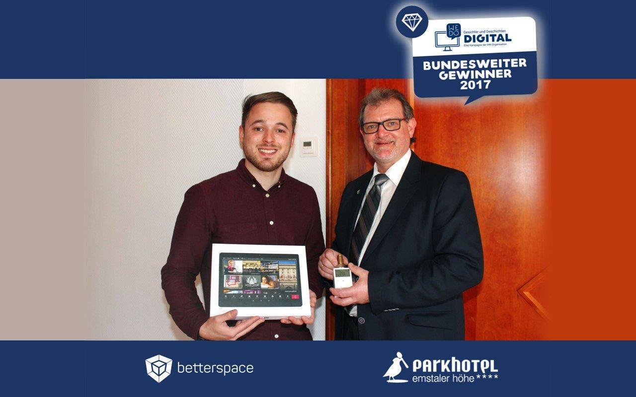 Herr Frankfurth vom Parkhotel und Herr Köhler von Betterspace als Bundesweite Gewinner 2017 bei We do Digital