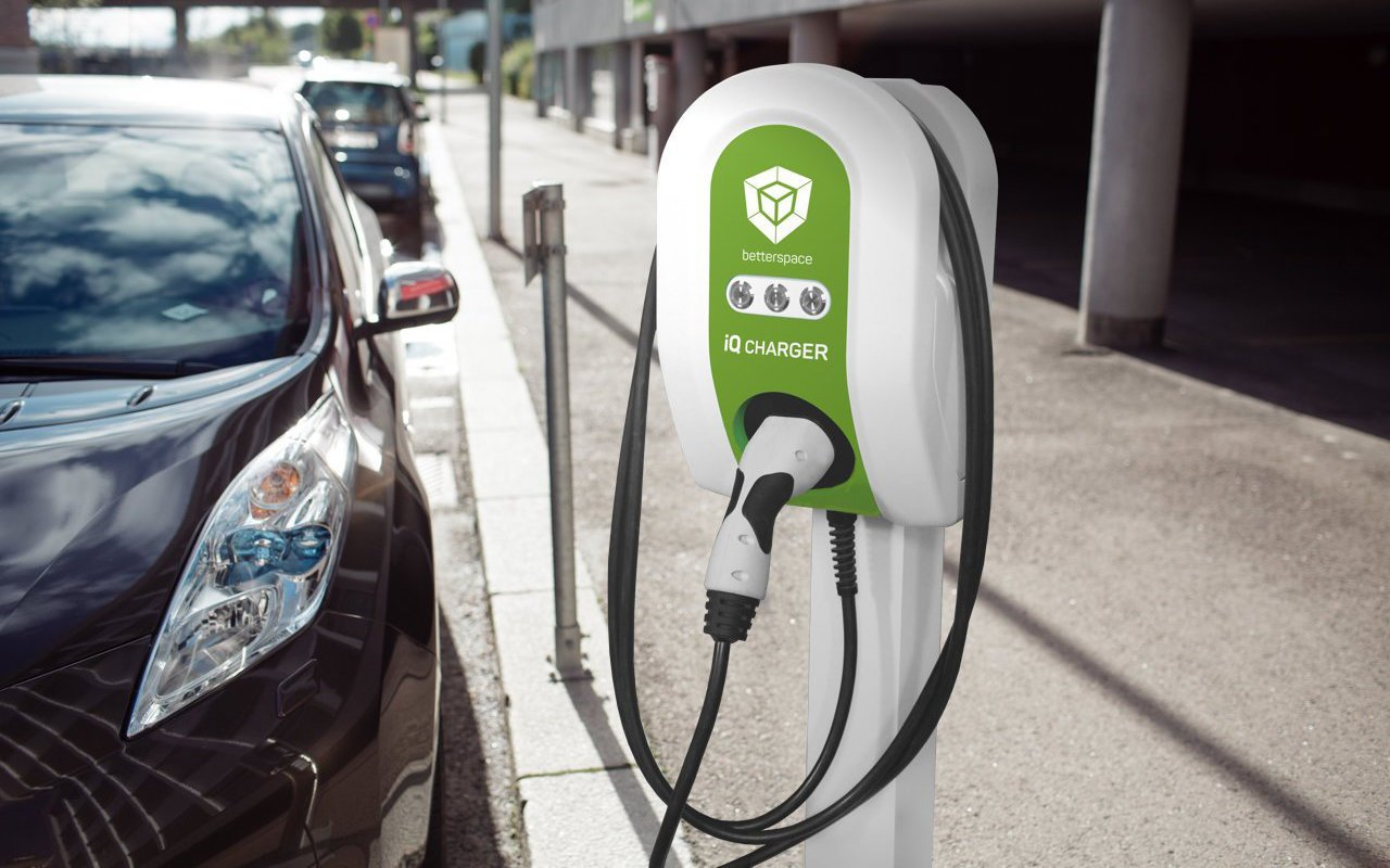 Smart e charging station for hotels to charge electric cars